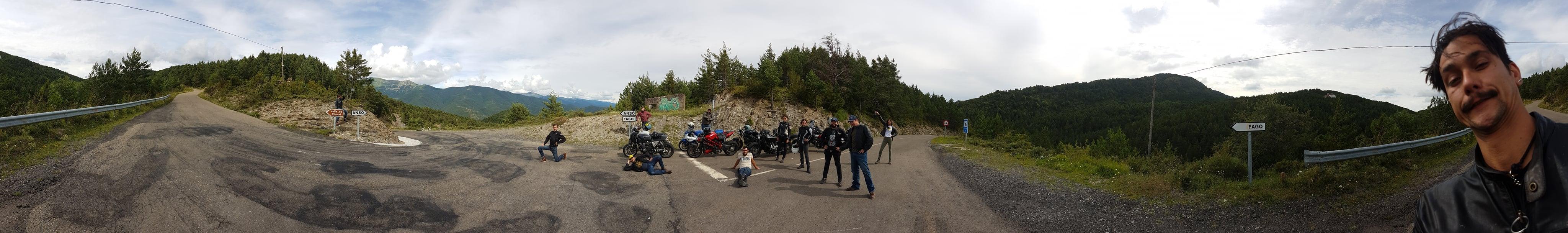 panormique-au-sommet-du-col-de-Garde-Anso-et-Fago